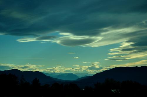 __047811___nuvole_vento