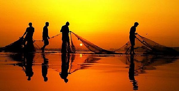 venite-dietro-a-me-vi-farc3b2-diventare-pescatori-di-uomini