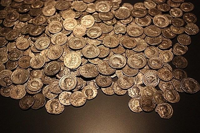 coins-2183470_640