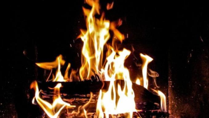 come-accendere-il-fuoco-inquinando-meno-ecosost-vivere-sostenibile-ecosostit_1860165